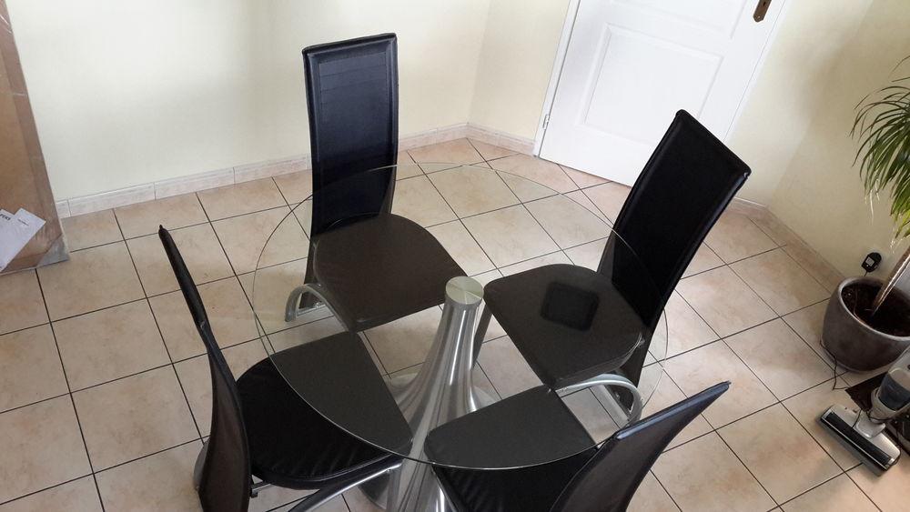 Table et chaises de cuisine 120 Peyrehorade (40)