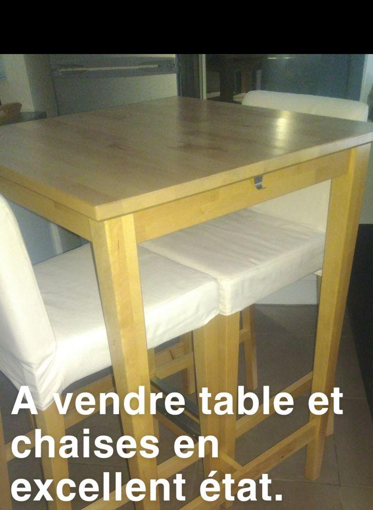 Table et chaises en excellent état. 200 La Garde (83)