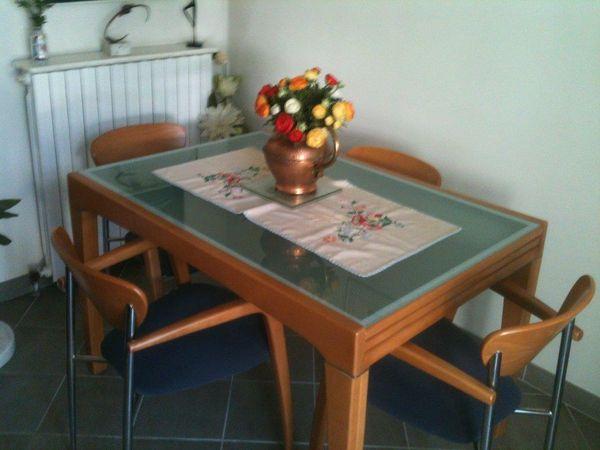 TABLE ET 4 CHAISES EN HETRE MASSIF 450 Rosny-sous-Bois (93)