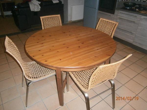 Achetez table et chaises occasion annonce vente saint for Table maison du monde occasion