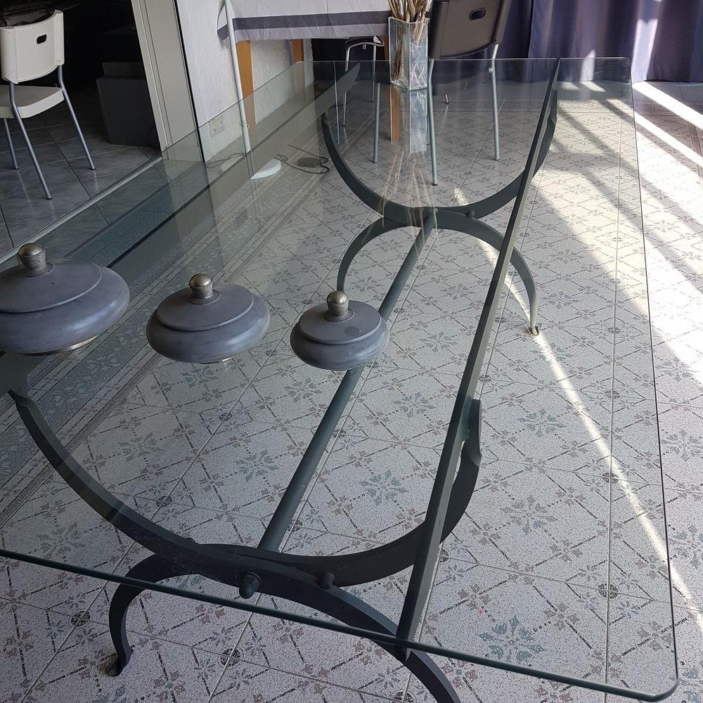 TABLE ET CHAISES - INTERIEUR EXTERIEUR - UNOPIU    1100 Mareil-sur-Mauldre (78)