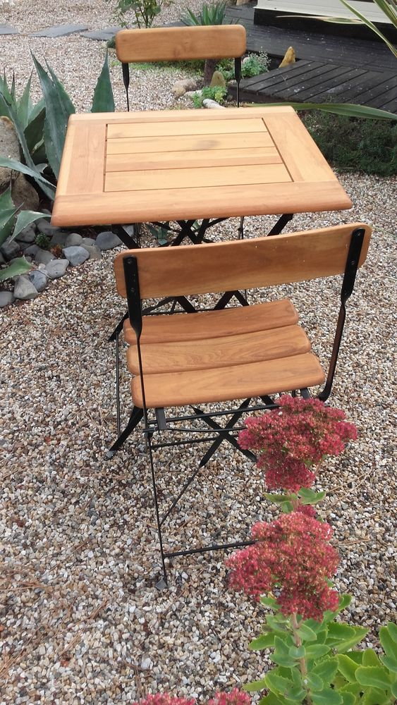 table et 2 chaises de jardin 130 Grayan-et-l'Hôpital (33)