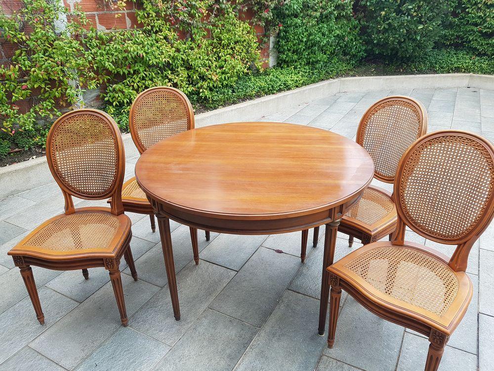 Table et chaises en merisier massif 200 Saint-Maur-des-Fossés (94)