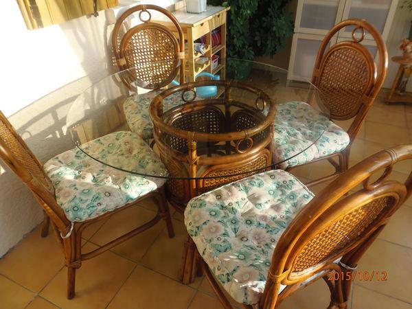Table et chaises en Rotin 70 La Chapelle-en-Serval (60)