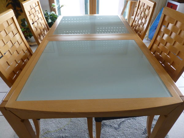 Table et chaises de salle à manger 450 Saint-Jean-de-Luz (64)