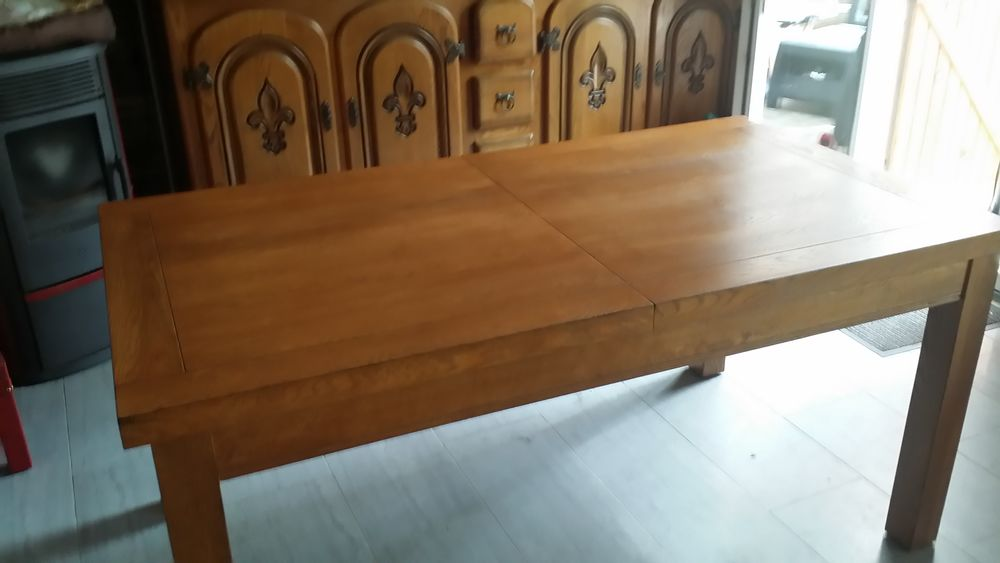 Table + 4 chaises  de salle à manger  200 Lisses (91)