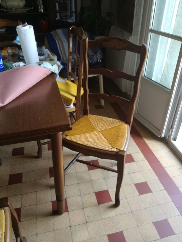 TABLE + CHAISES SALLE A MANGER 100 Nice (06)