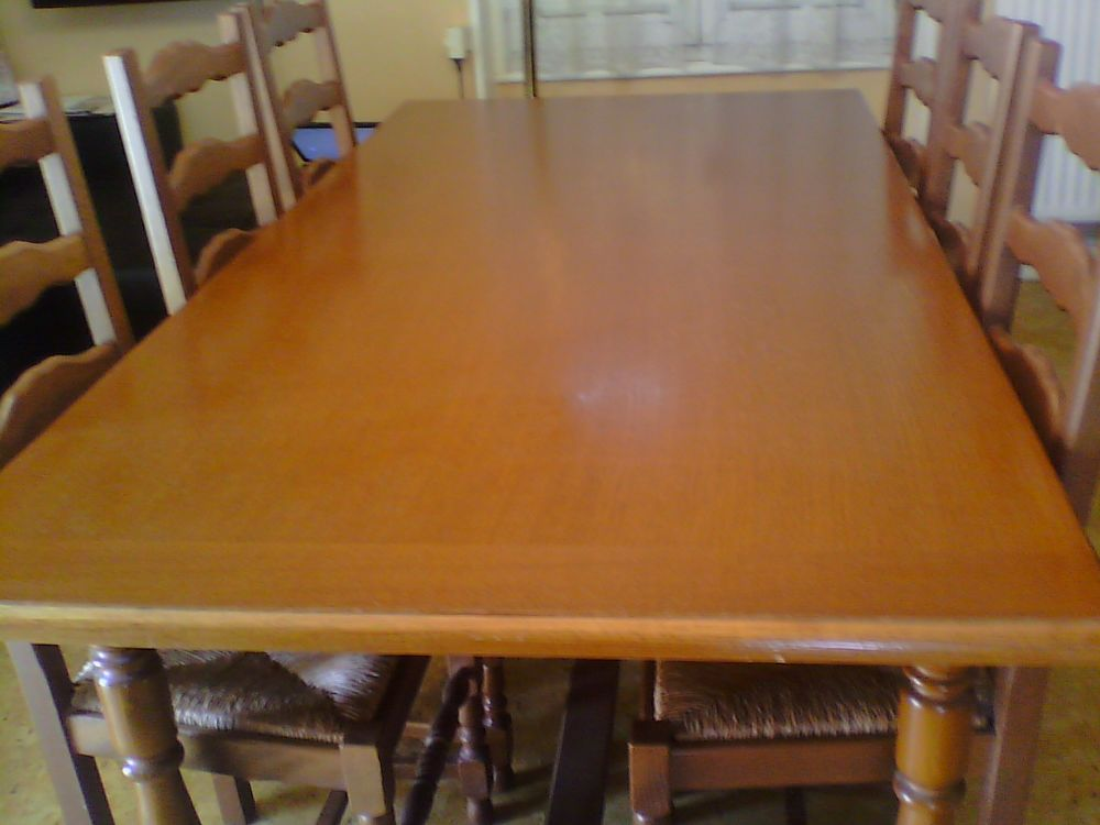 Table et chaises salle a manger 120 Metz (57)