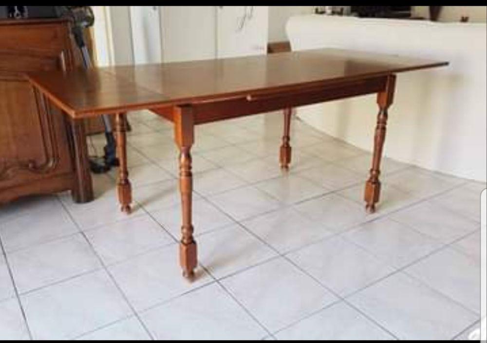 Table et chaises de salle à manger  150 Miremont (31)