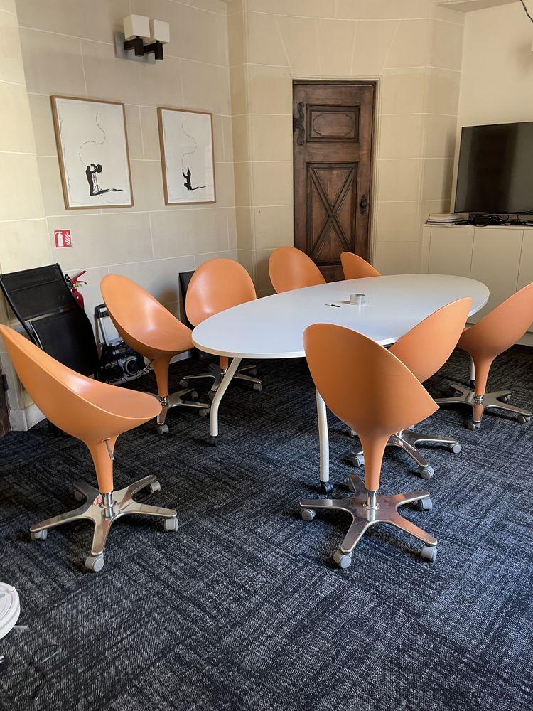 Table et chaises de salle de réunion 1000 Paris 17 (75)