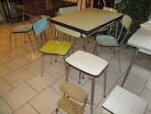 table chaises et tabourets en formica vintage 25 Lingolsheim (67)