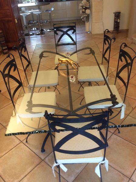Table + chaises verre et fer forgé 2500 Vernaison (69)