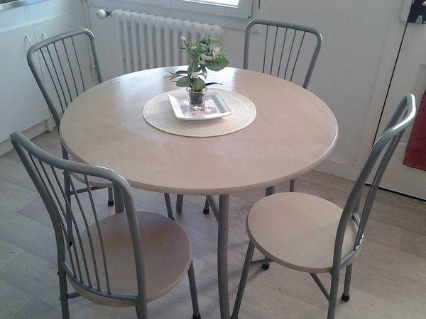 Table + 4 chaises 50 Moëlan-sur-Mer (29)