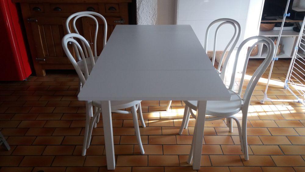 tables de bistrot occasion annonces achat et vente de tables de bistrot paruvendu mondebarras. Black Bedroom Furniture Sets. Home Design Ideas