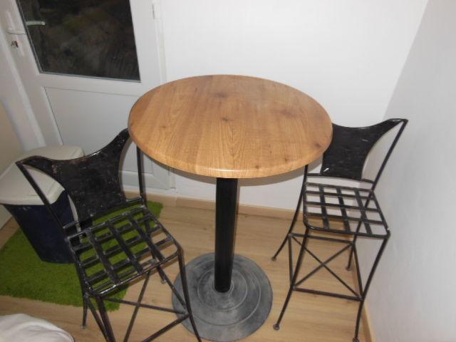 achetez table et chaises de occasion annonce vente houilles 78 wb155307603. Black Bedroom Furniture Sets. Home Design Ideas