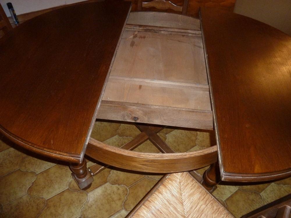 table et 4 chaises 80 Flassans-sur-Issole (83)