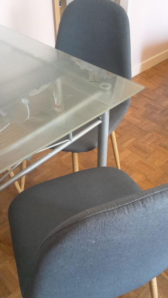 Table et 6 chaises 100 Saint-Martin-d'Hères (38)