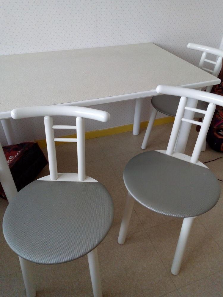 Table + chaises 100 Canteleu (76)