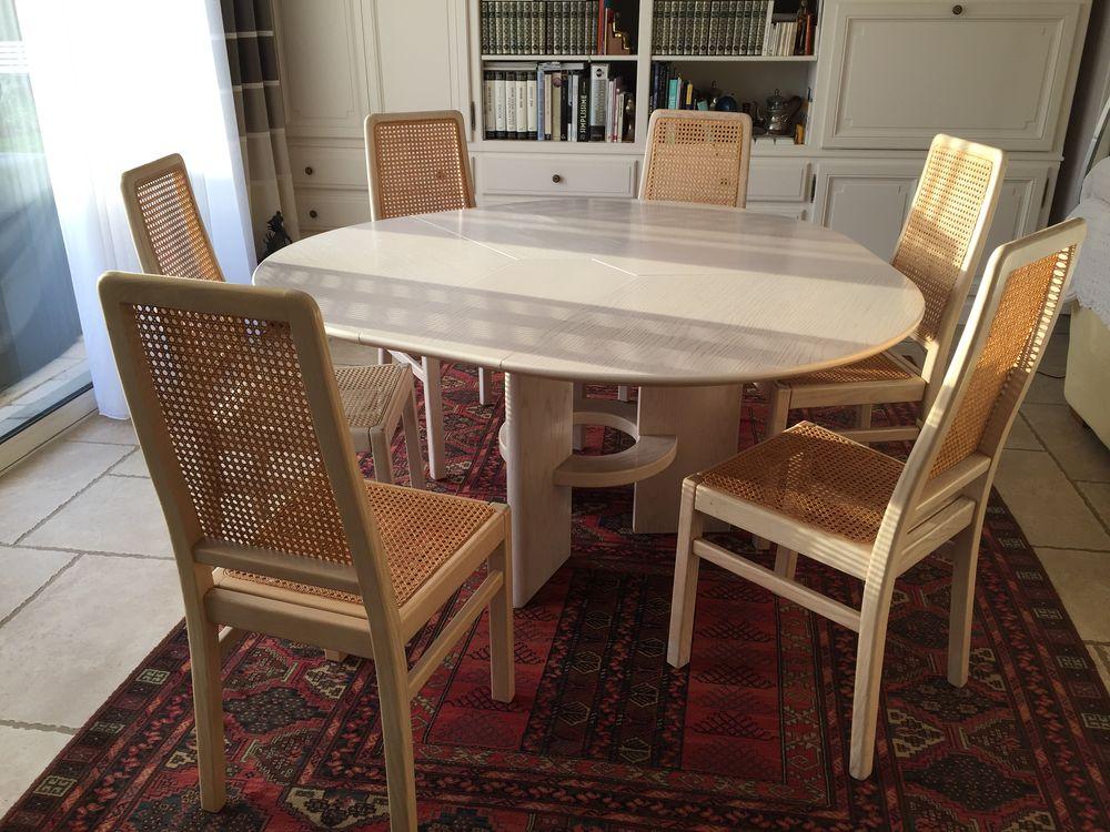 TABLE ET CHAISES 400 Fénay (21)