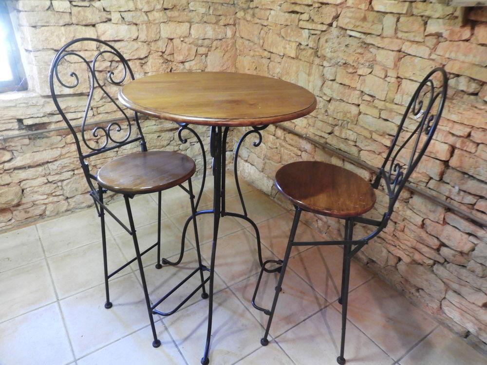 TABLE ET CHAISES 120 Pontcirq (46)