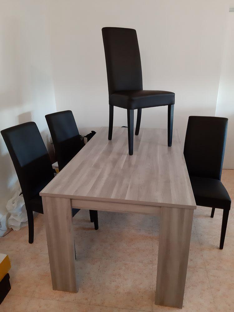 Table et 4 chaises 220 L'Haÿ-les-Roses (94)