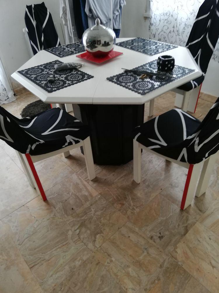 Table et chaises  150 Saint-Joachim (44)