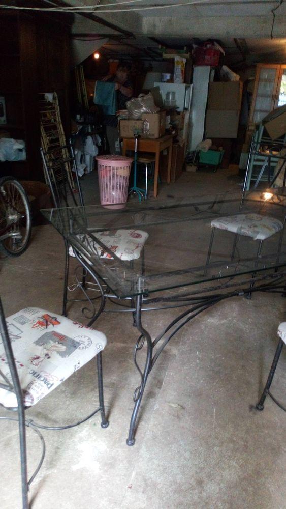 table et chaises 100 Rousset (13)