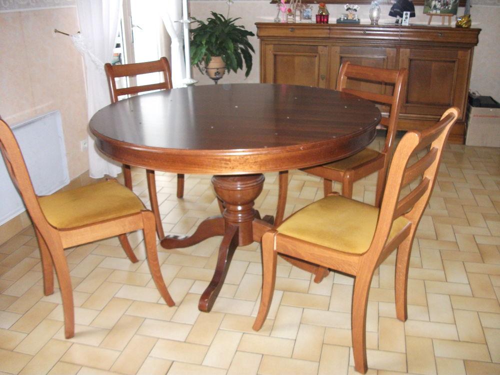 table +4 chaises 100 Saint-André-le-Gaz (38)