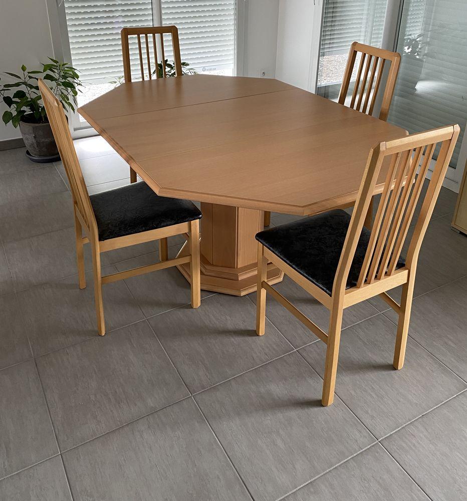 Table et chaises 280 La Roche-sur-Foron (74)