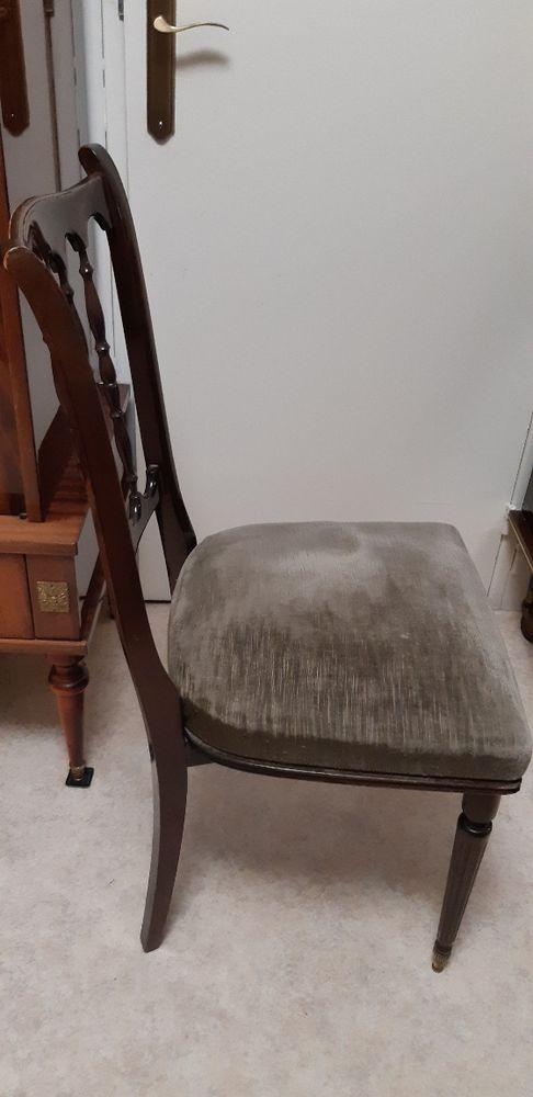 Table et 4 chaises 0 Saint-Denis (93)