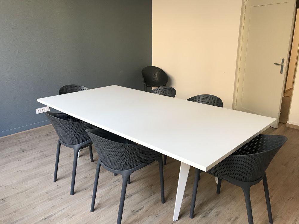 Table et 8 chaises 500 Libourne (33)