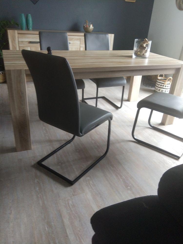 table et chaises 100 Tosse (40)