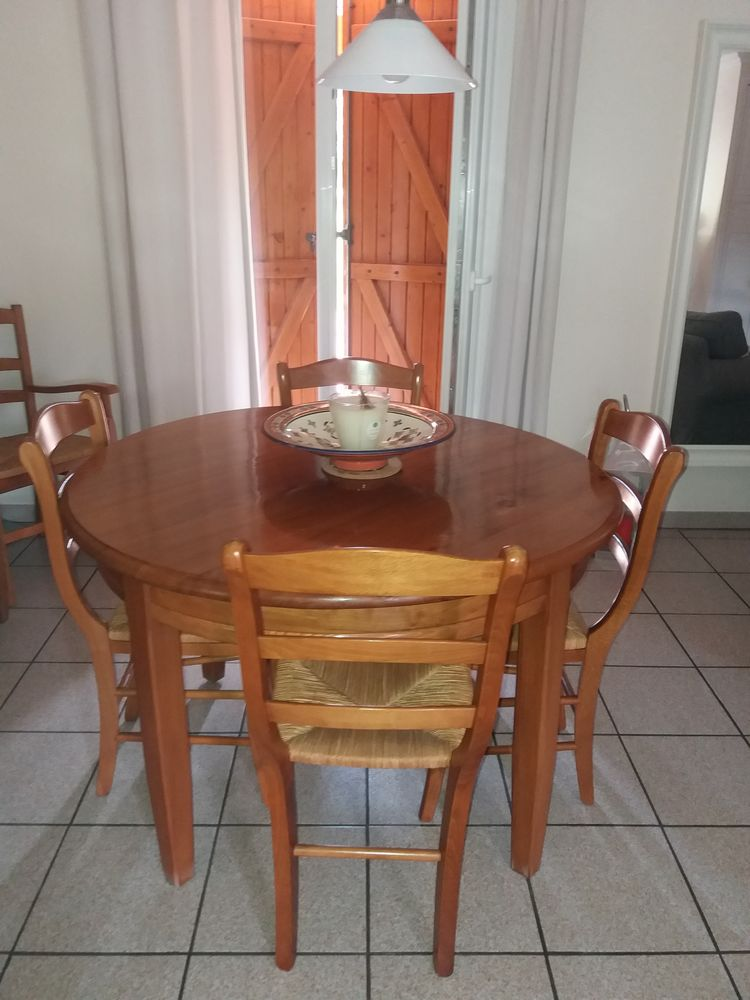 Table+ 4 chaises 100 Cornille (24)