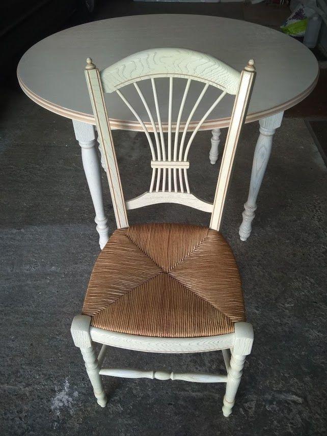 Table chêne cérusé blanc avec 4 chaises 200 Octeville-sur-Mer (76)