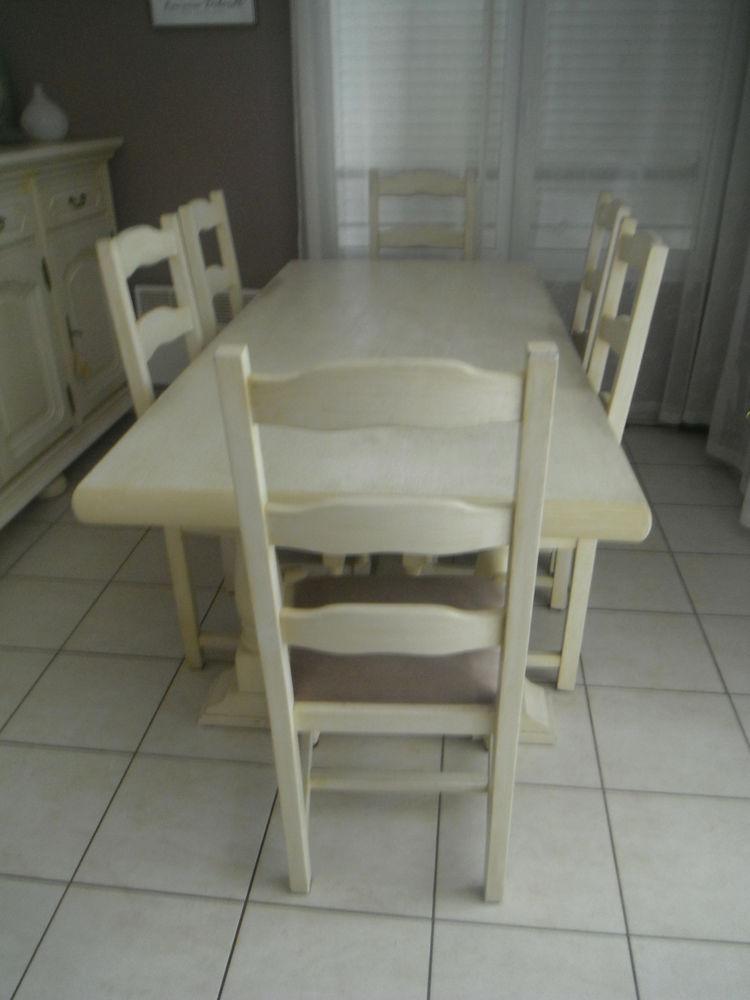 table en chene et 6 chaises 350 Marseille 2 (13)
