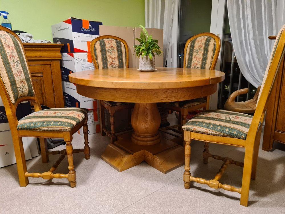 Table en chêne et 4 chaises 580 Reims (51)