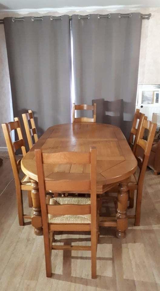 Table en chêne clair  300 Roissy-en-Brie (77)