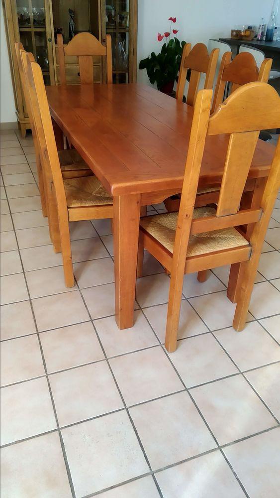 Table en chêne massif et 6 chaises 0 Les Milles (13)