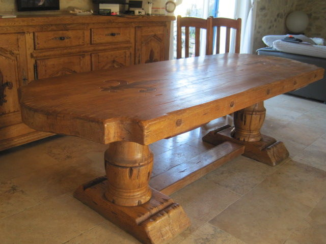 TABLE EN CHENE MASSIF MODEL COMMANDEUR 1150 Villenave (40)