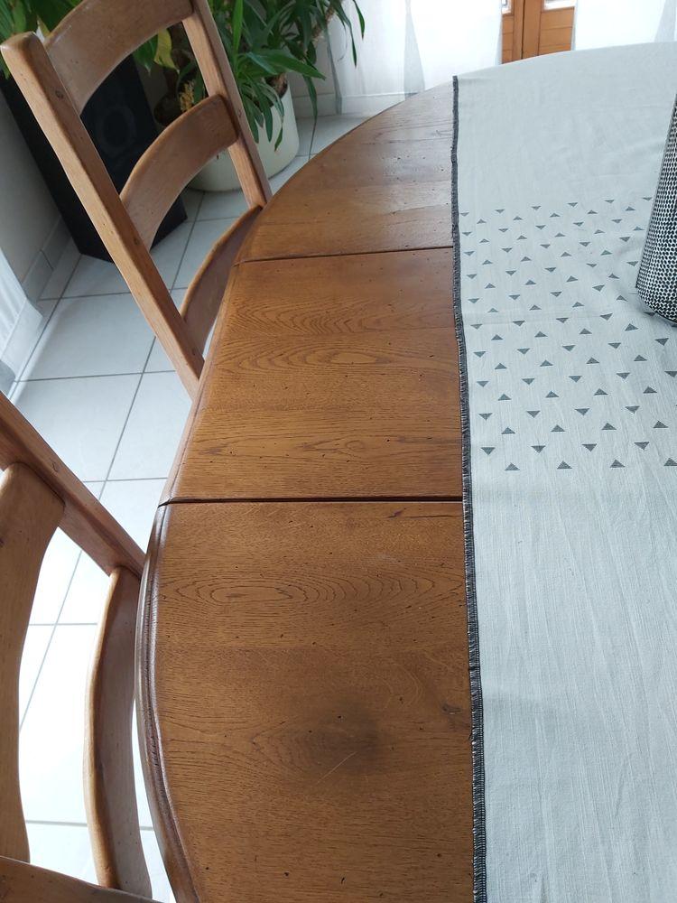 Table chene massif  et rallonge et 4 chaises  350 Wolxheim (67)