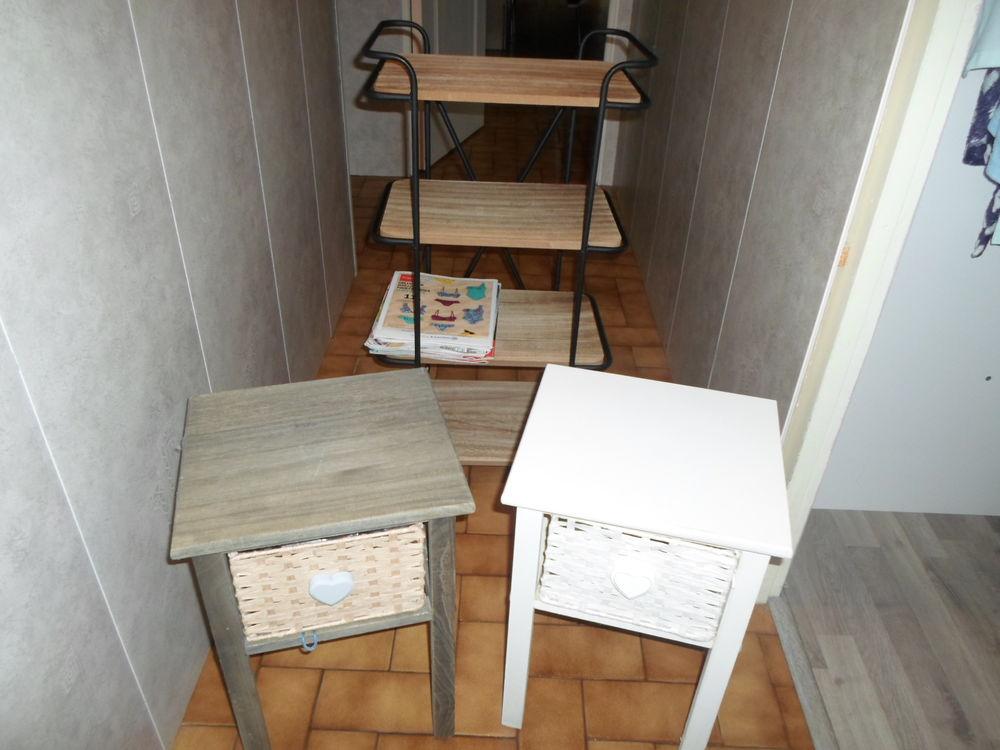 table de chevet ou autre 32 Lugon-et-l'Île-du-Carnay (33)