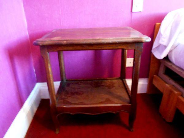 Table de chevet en bois  50 Monflanquin (47)