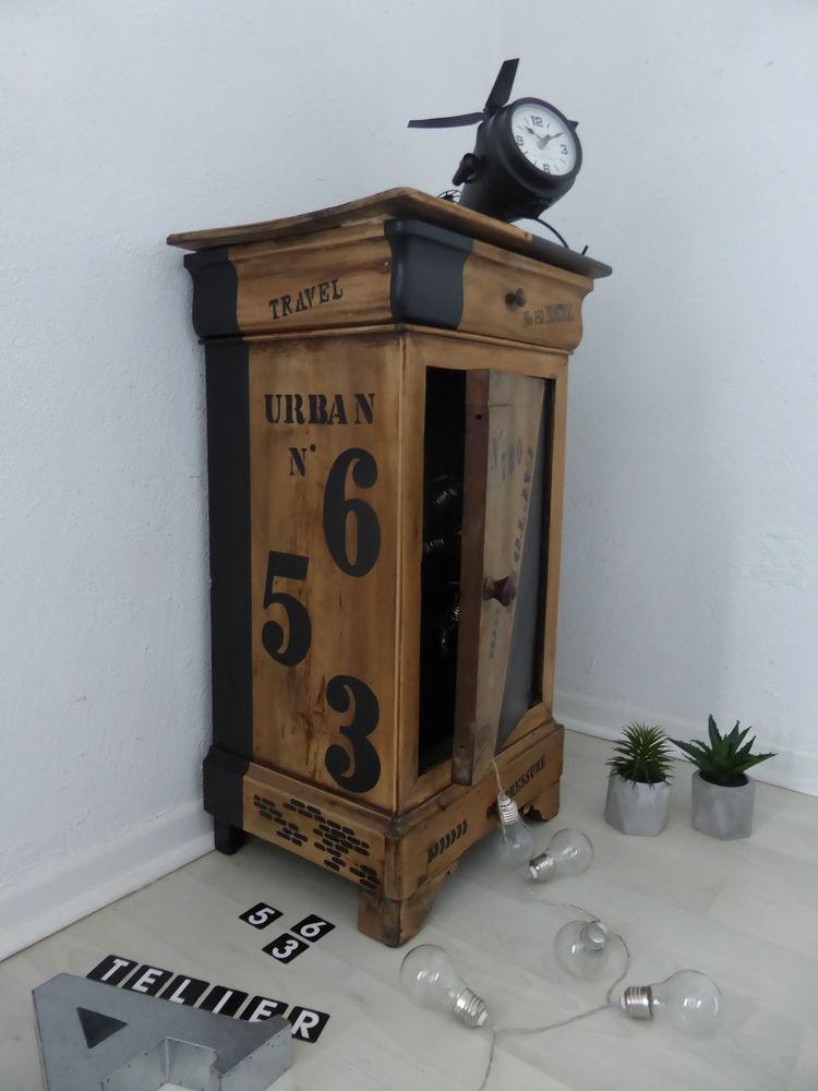 Table de chevet revisitée : ATELIER N°456 70 Francheville (69)