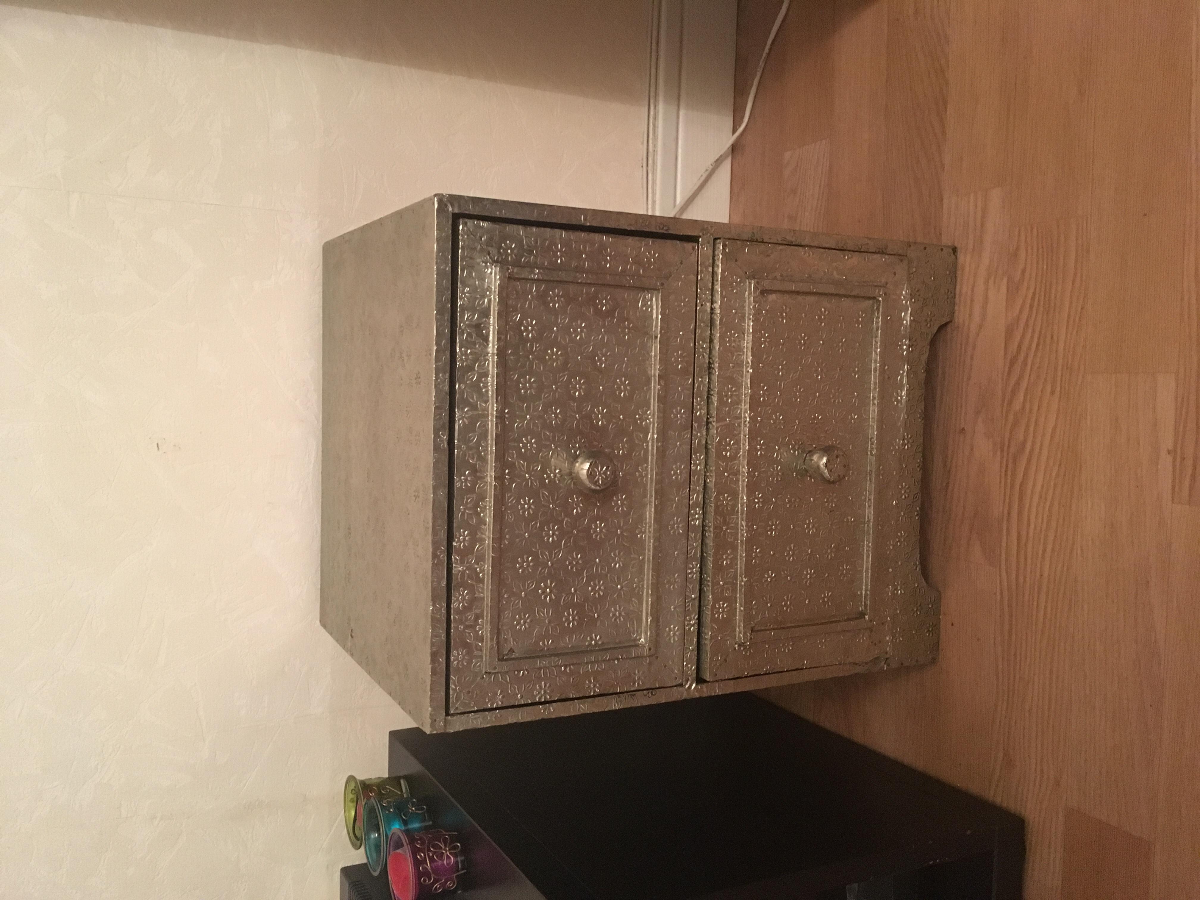 tables de chevet occasion paris 75 annonces achat et. Black Bedroom Furniture Sets. Home Design Ideas