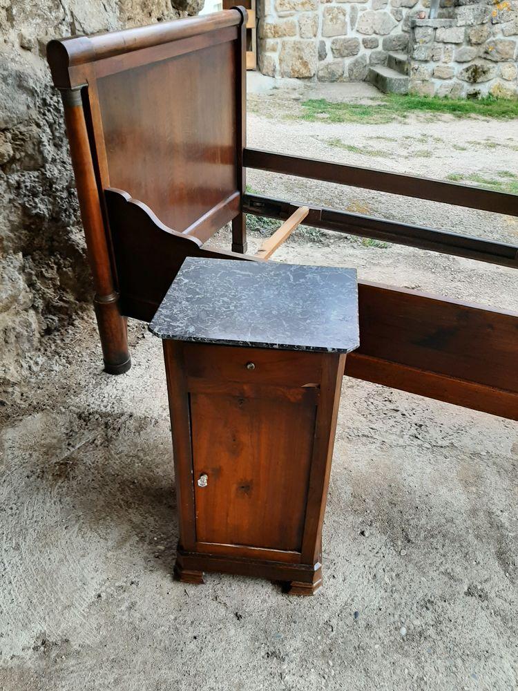 Table de chevet  50 Saint-Cyr (07)