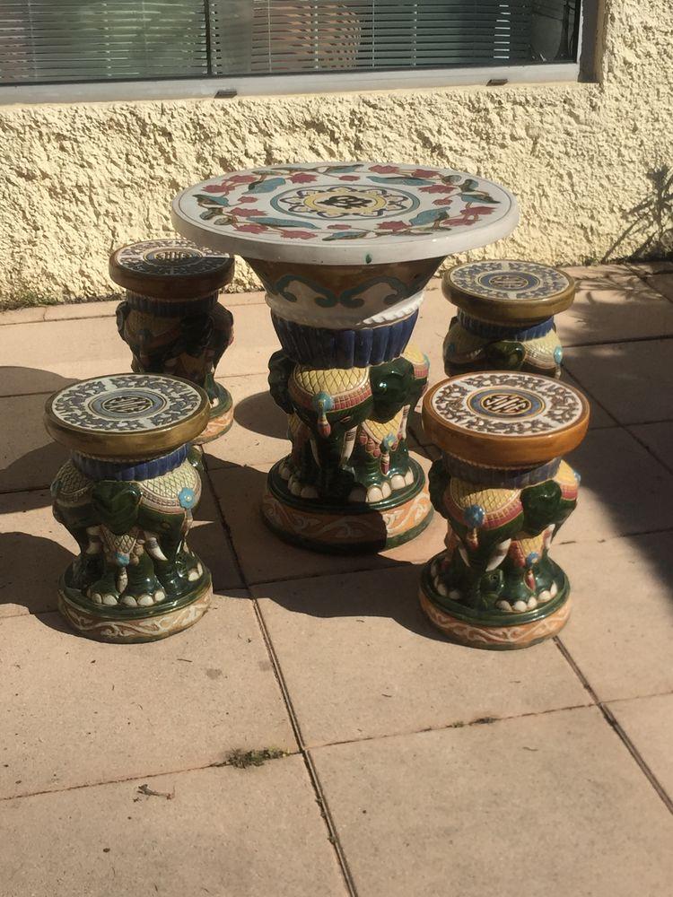 Table chinoise en céramique avec ses 4 tabourets  80 Villeneuve-lès-Avignon (30)