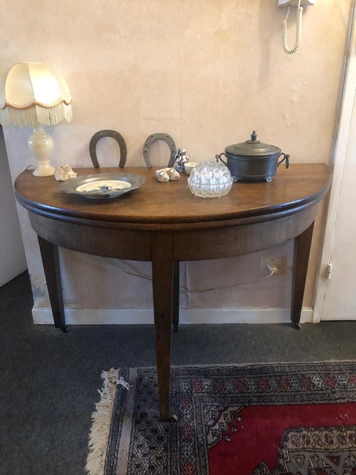 Table-console demi lune en noyer époque 1840 pied Jacob diam 160 Villers-lès-Nancy (54)