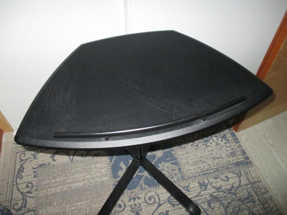 tables console occasion dans les pyr n es atlantiques 64 annonces achat et vente de tables. Black Bedroom Furniture Sets. Home Design Ideas