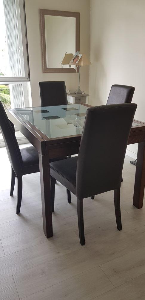 Table contempraine bois et verre avec rallongé intégrée  140 Montesson (78)