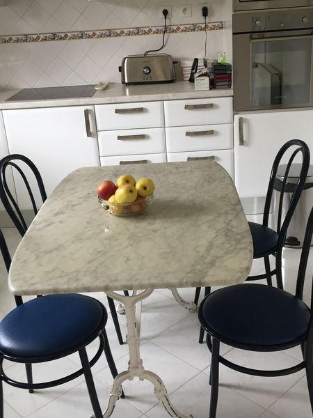 awesome table de cuisine bistro chaises meubles with meuble vier cuisine occasion. Black Bedroom Furniture Sets. Home Design Ideas